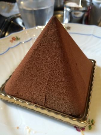 オ・グルニエ・ドールのピラミッド