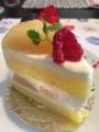 タダシヤナギの桃のショートケーキ