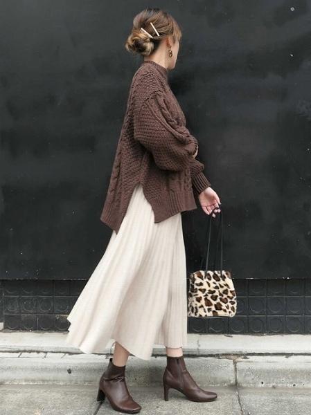 秋冬に履きたいショートブーツもブラウンが決め手