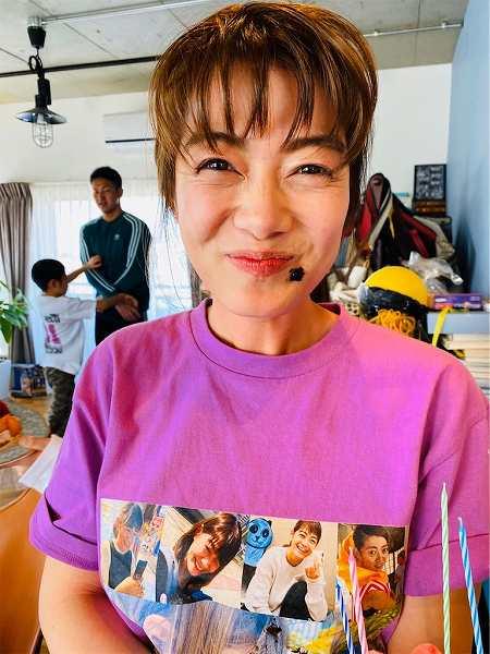 マーガリンまさか私がTシャツになるなんて‼️幸せなお誕生日会☺️久々の家族ショット❗️