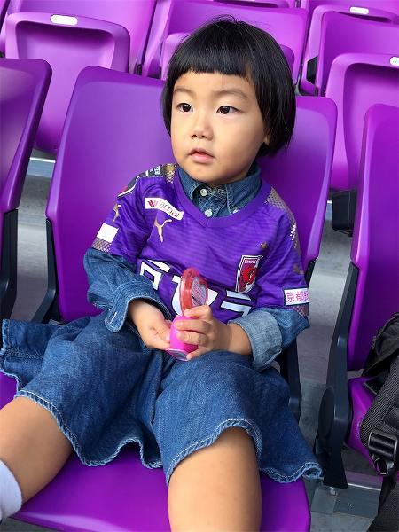 【スザンヌの妹マーガリンの子育てブログ】思わず涙!!新しいスタジアムにパパのサッカーをみにきたよ♡
