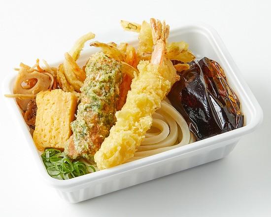 3種の天ぷらと定番おかずのうどん弁当