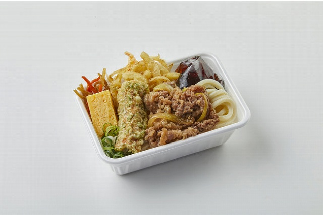 2種の天ぷらと定番おかずの肉うどん弁当