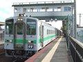 [鉄道][キハ143系][貫通幌]038:札沼線587D車窓・対向列車と離合してしばし停車。石狩太美/080725