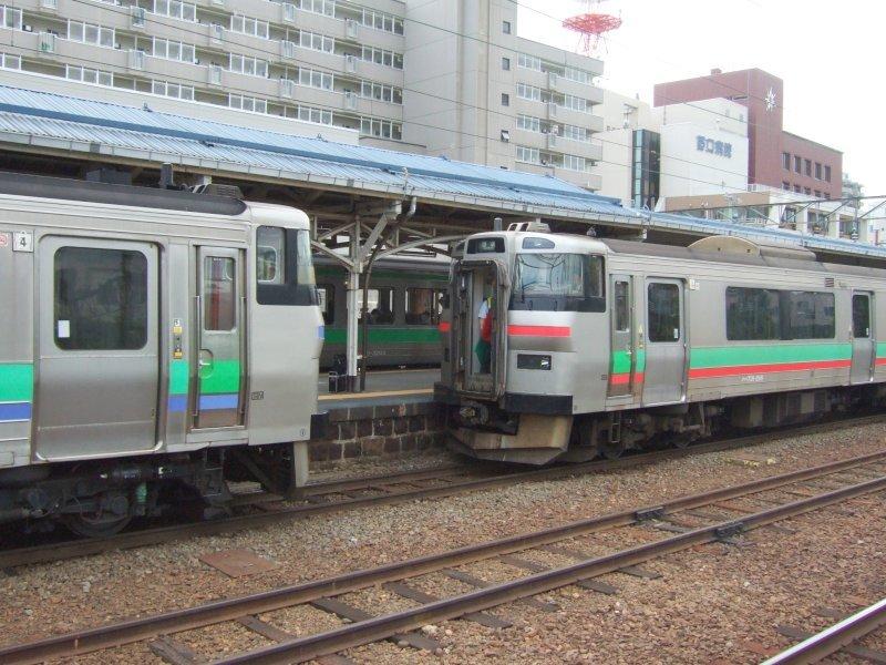 EC/DC併結(13)963D(D-103)の札幌側に731系(G-116)を連結/小樽駅080728