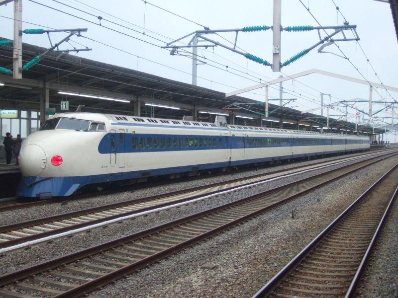 こだま639号(0系R61編成:22-7008側)/西明石駅2008.11