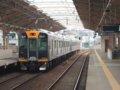 [鉄道][貫通幌]阪神1000系1502F(Mc1502側)+1501F/千鳥橋駅出発(2)2007.10