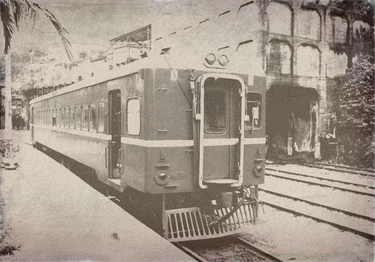 台鐵DR2303(1998年平渓線菁洞駅)古写真ジェネレータ(http://labs.wanokoto.jp/olds)
