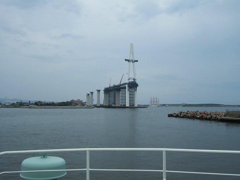☆401:富山県営渡船「海竜」から建設中の新湊大橋(越の潟側)090725