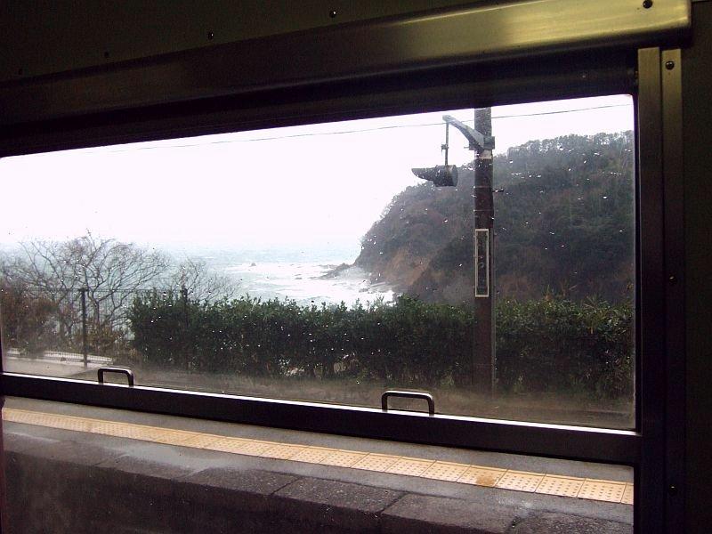 餘部探訪(35)山陰本線車窓(鎧駅到着・浜坂行き171Dキハ47-10車内)080113