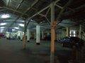 [鉄道][駅][風景]★114:基隆車站第一月台…ホーム上に車100618