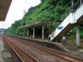 [鉄道][風景][駅]★241:台鐵宜蘭線・暖暖車站-瑞芳方面(台北方面の區間車を待つ人々)