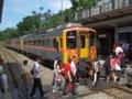 [鉄道][台鐵DR1000][風景][貫通幌]★293:區間車3211次(DR1029等3連)十分で區間車3212次(DR1025等3連)と列車交換