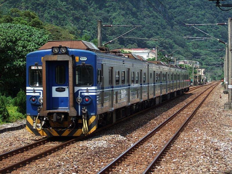 ★456:區間車2726次(蘇澳-七堵)EMU510編成(蘇澳側EM510)/大渓出発13:32