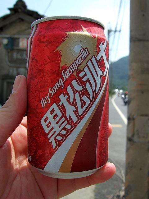 ★458:台湾を代表する飲料・黒松沙士/台2線大渓駅前100619