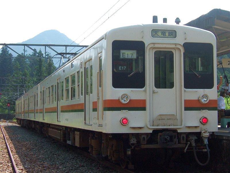☆189:飯田線3511M119系E17編成(Mc119-20)+M6編成/三河槙原090906