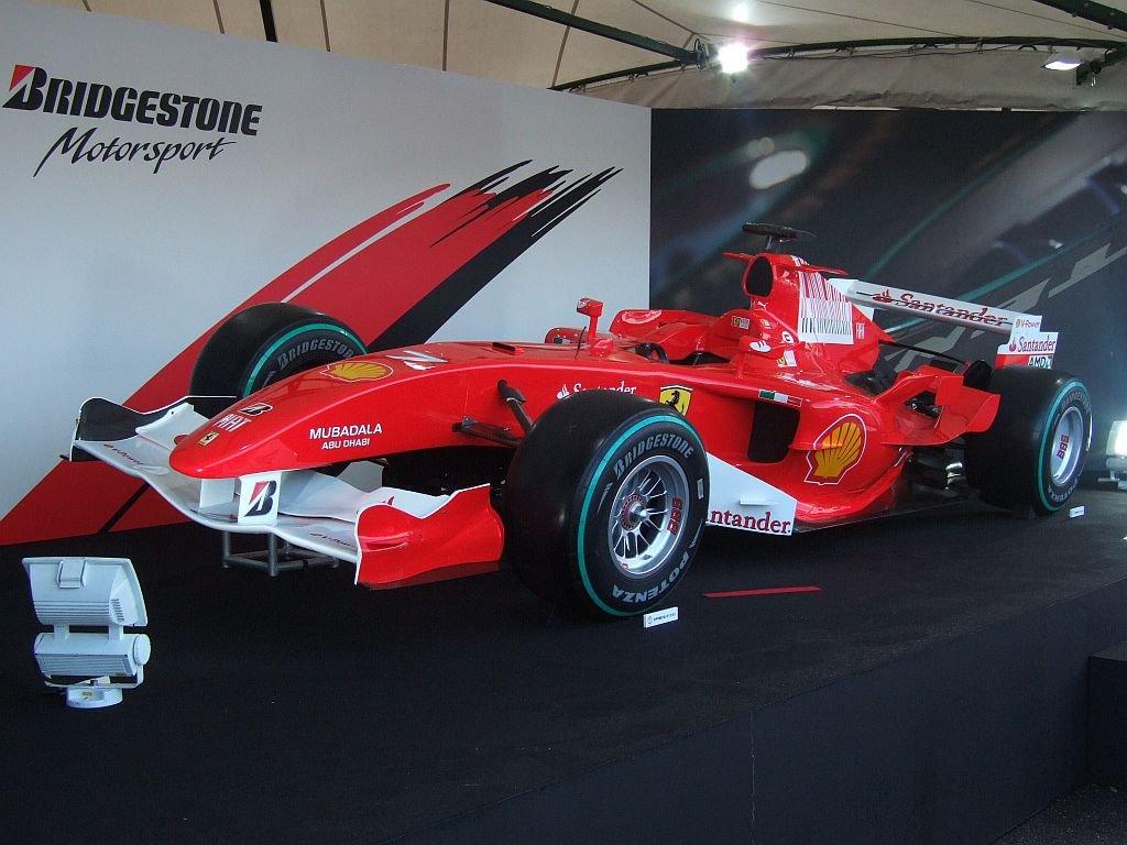 ★107:フェラーリF1展示車両(F2005・2009年カラー)1024pix