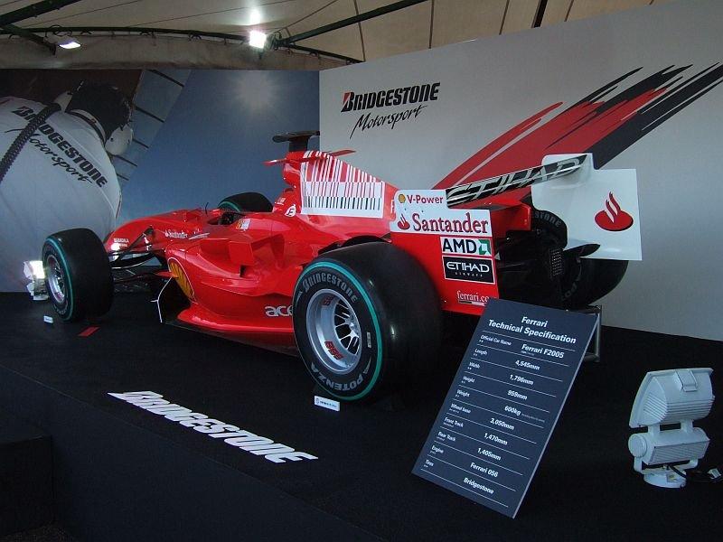 ★111:フェラーリF1展示車両(F2005・2009年カラー)