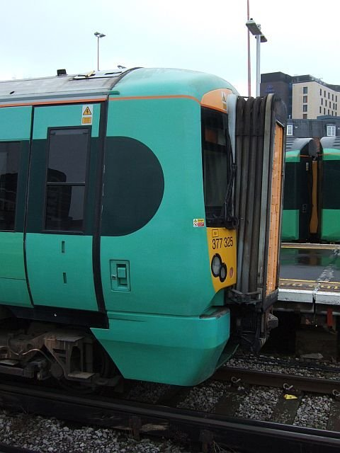 ☆039:Southern/ Class377 Electrostar (377325) London Bridge駅
