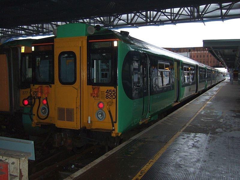 ☆048:Southern/ Class455/8 (455830) London Bridge駅