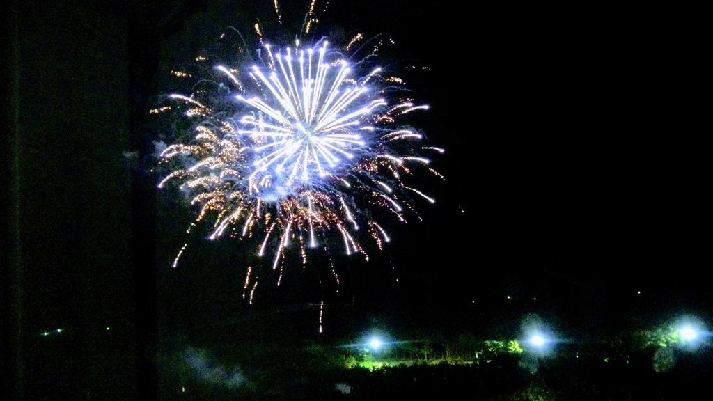 20Fのお部屋から見えた花火