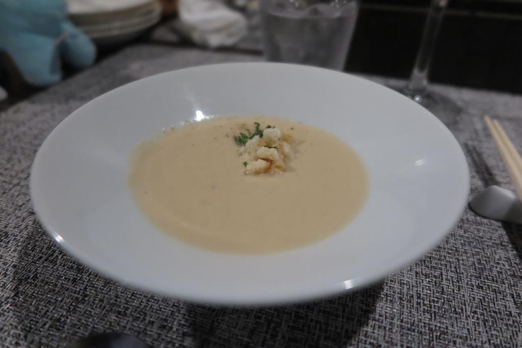 ディナーAコース スープ(大根のポタージュ)