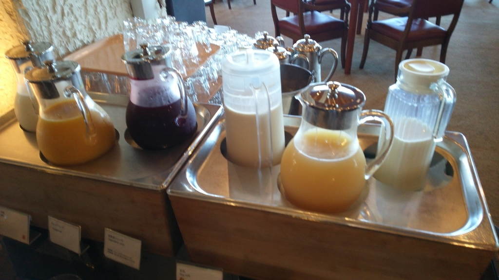 ダイニングFUJIの朝食:ソフトドリンク