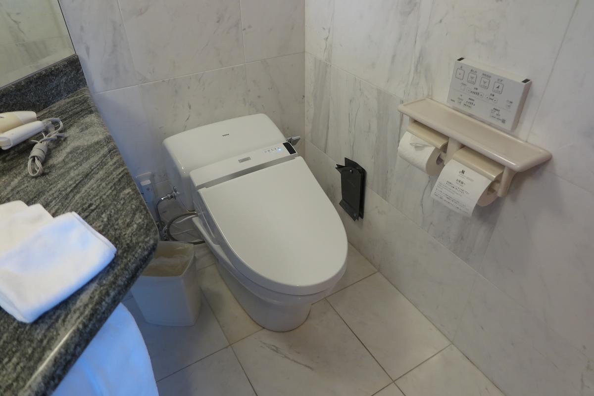 洗浄便座付きトイレ