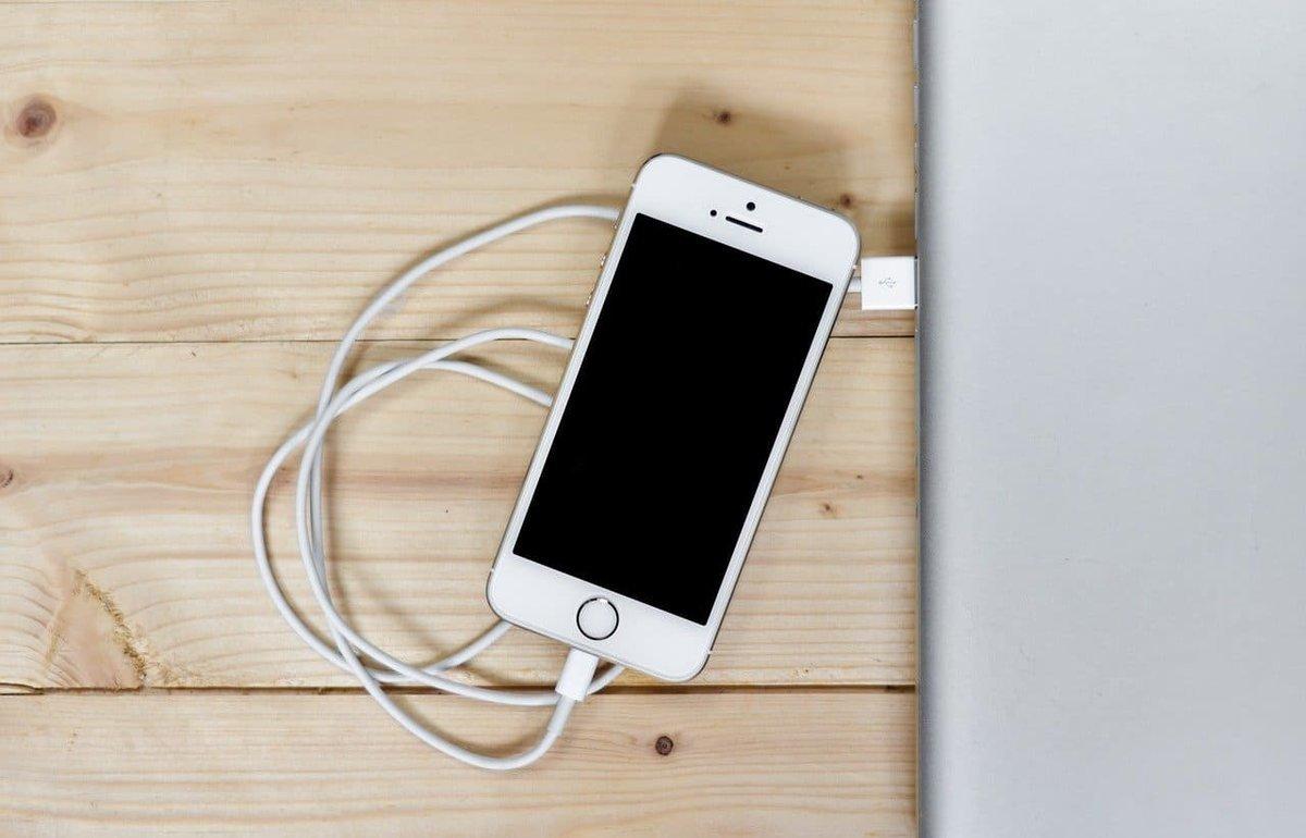 料金やバッテリーが心配で電子書籍に苦手意識がある人