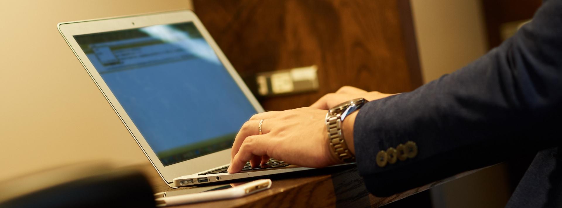 自宅で仕事をするときにはライフスタイルも変えなければならない ながらすたいる・えっくす www.bixlix.com