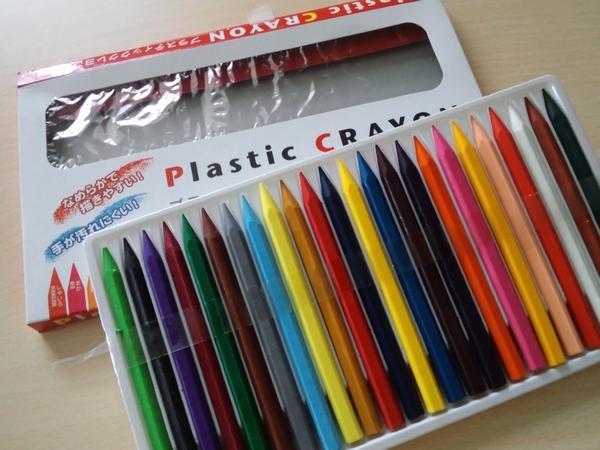 100均ダイソーのプラスティッククレヨン24色を試してみた