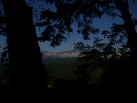飯縄山から鬼無里、北アルプス