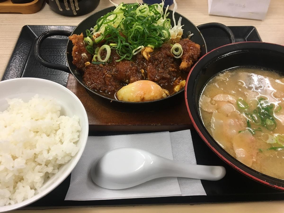 青ねぎ味噌チキンカツ鍋定食 + とん汁大変更