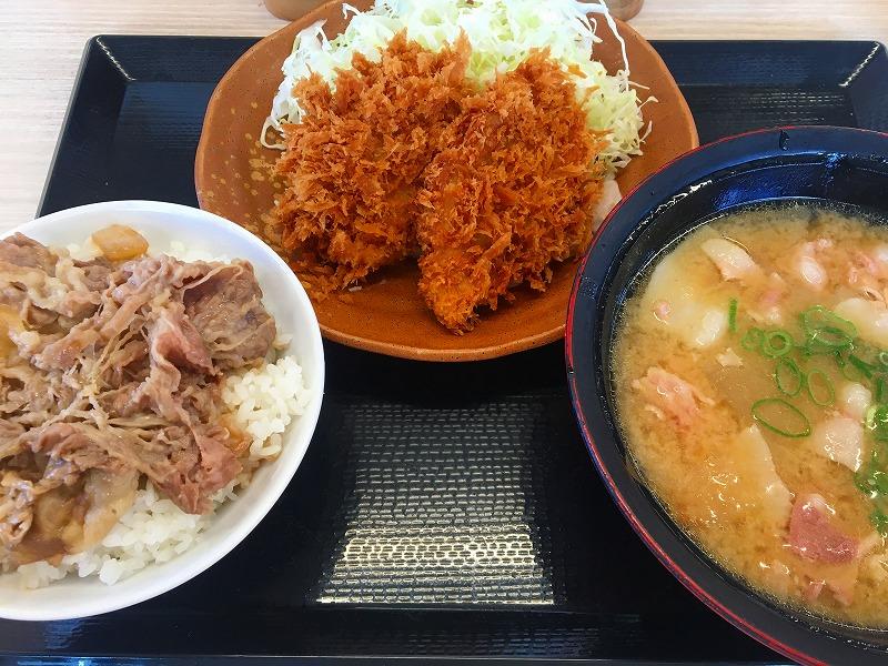 とん汁定食+養老牛丼