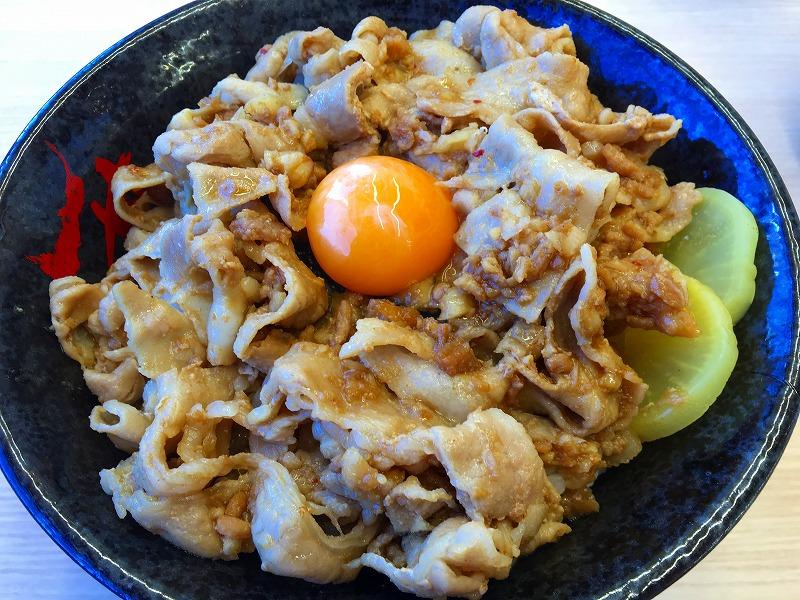 """ごってり """"肉汁油"""" すた丼 伝説のすた丼屋"""