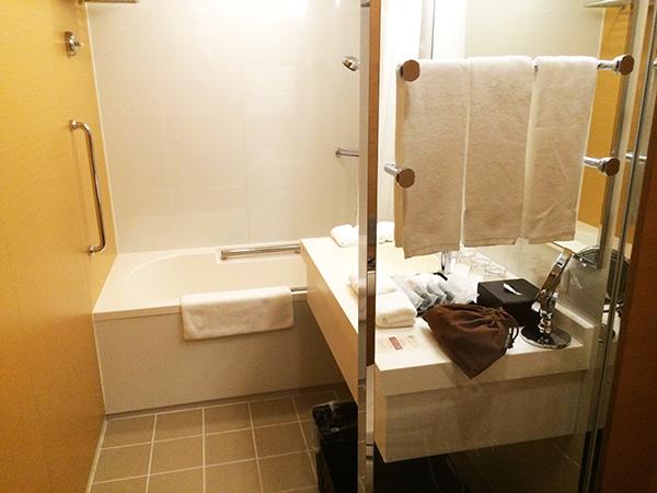 庭のホテルホテルのお風呂