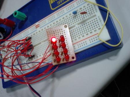 PIC 複数LED点燈