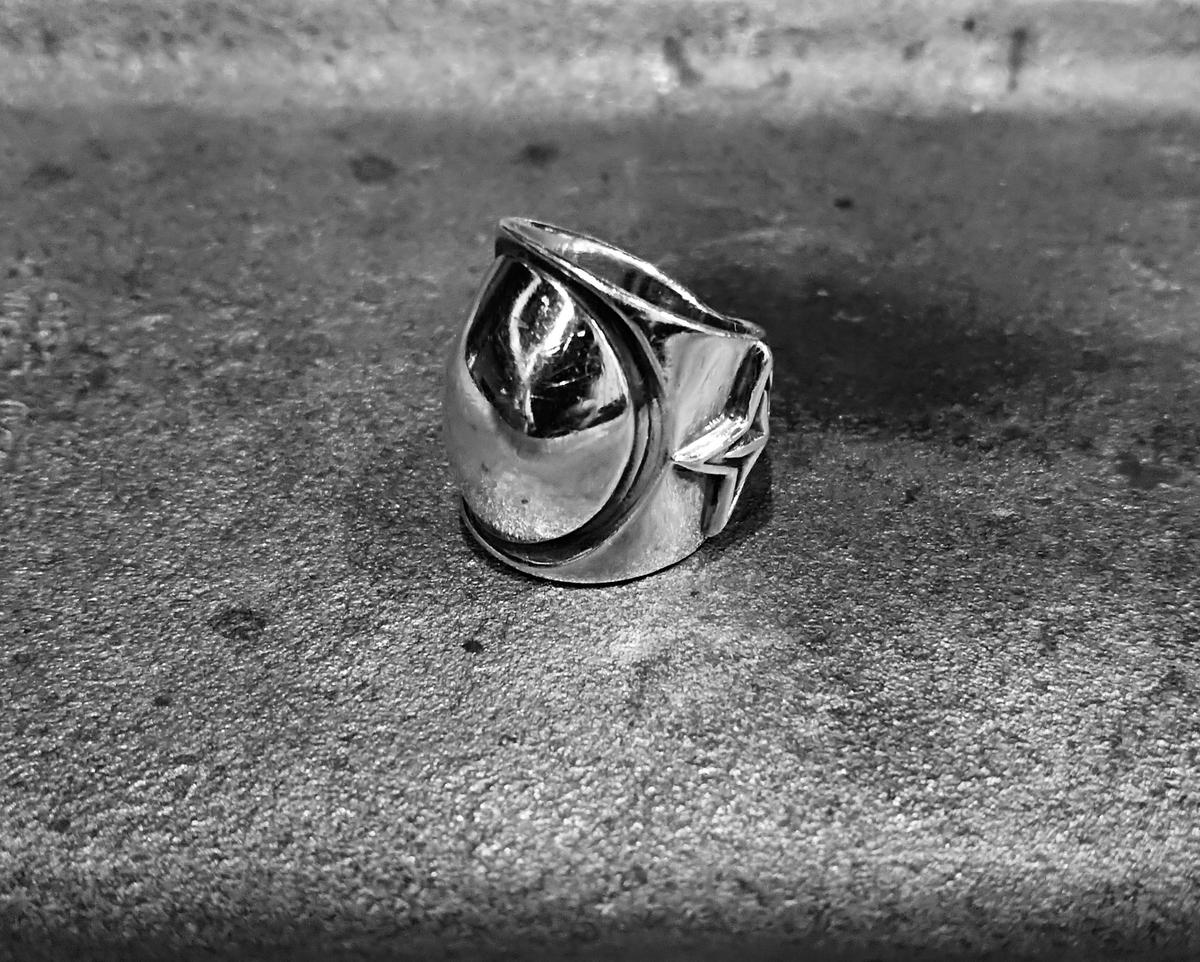 コディサンダーソンのリング
