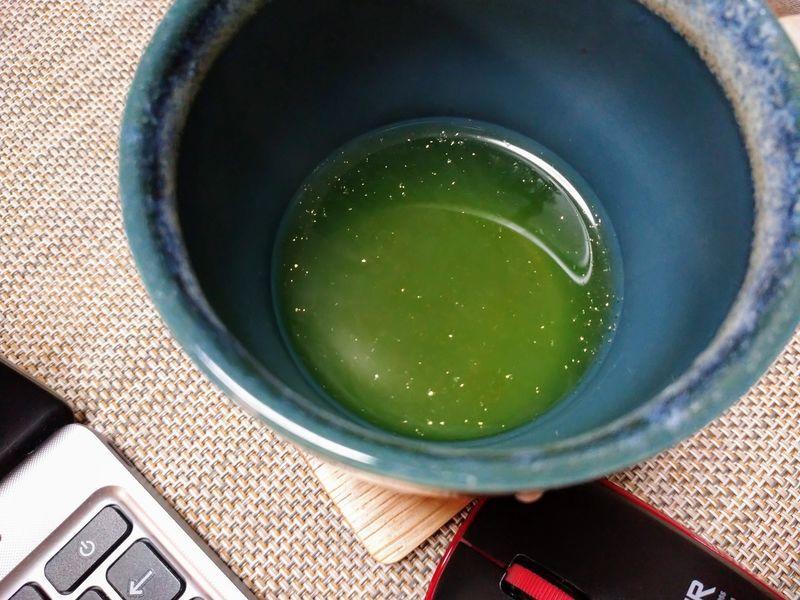 金粉入り緑茶