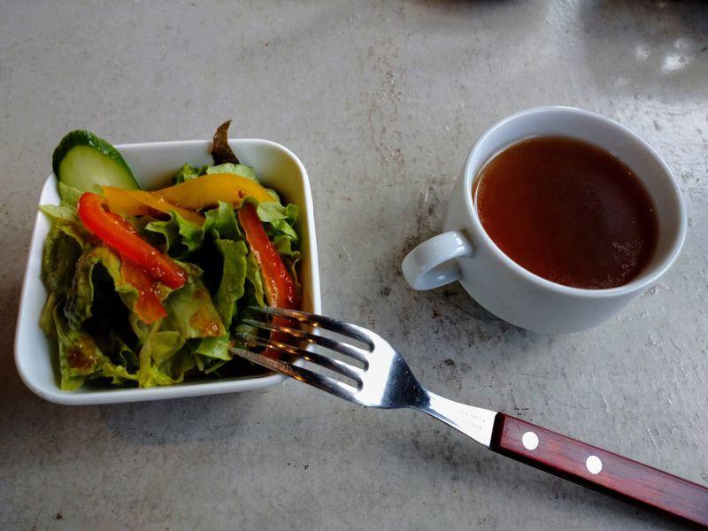 A-STEAKサラダとスープ