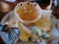 さすが徳島レンコンの籠にレンコンチップ