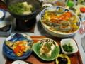 湯豆腐の湯気が迎える夕の膳