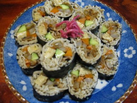 蕎麦寿司に収穫野菜てんこ盛り