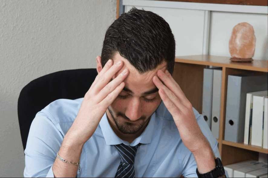 なぜ、一日中眠い?仕事中に眠いと感じる時の原因と対処法を教えます!
