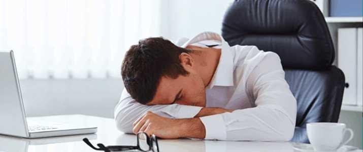 仕事中、「眠いな・・・」と思ったとき何を飲むべき?コーヒー、緑茶、それとも・・・。フードコーディネーターに聞いた眠気を覚ます飲み物