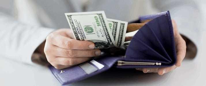毎月の貯金額5万円は多い?少ない? 20代のお金事情を調査!