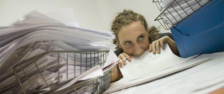 シュレッダーにかけた紙、重要書類かも? 捨てていい書類を見極める方法