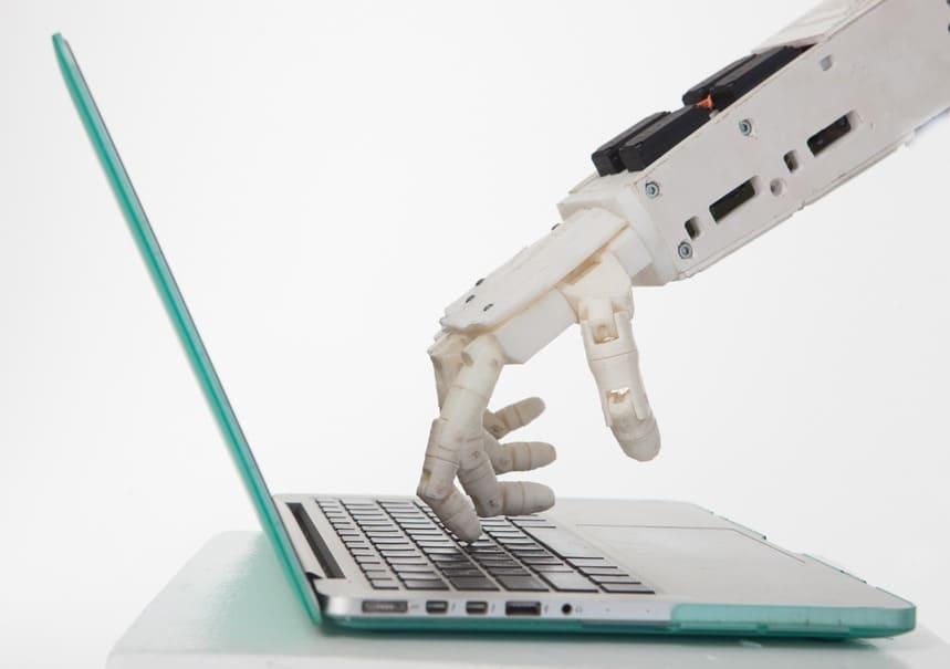AIやロボットが会社を運営する時代がくる?企業の完全無人化を目指すプロジェクトが始動!