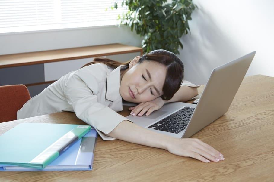 仕事で疲れて帰った日に頼りになる、すぐに食べられる食事サービス3選