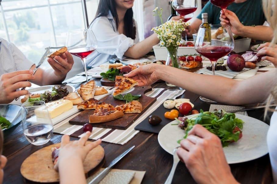 朝食や夕食を抜くとストレスを感じやすくなる?食事とストレスの関係性についての調査結果が発表